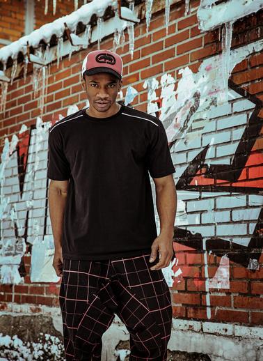 XHAN Siyah Omuz Detaylı T-Shirt 1Kxe1-44600-02 Siyah